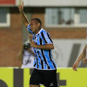 Lateral Gabriel jogou 11 das 13 partidas do Grêmio em 2012 e marcou um gol contra o Universidade - Nabor Goulart/Agência Freelancer