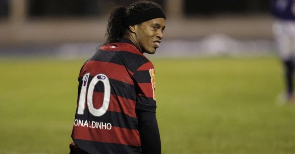 Ronaldinho Gaúcho lamenta jogada desperdiçada durante derrota do Flamengo para o Real Potosi