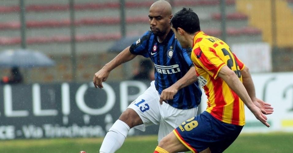 29.jan.2012 - Lateral brasileiro Maicon em ação na partida entre Inter de Milão e Lecce pelo Campeonato Italiano