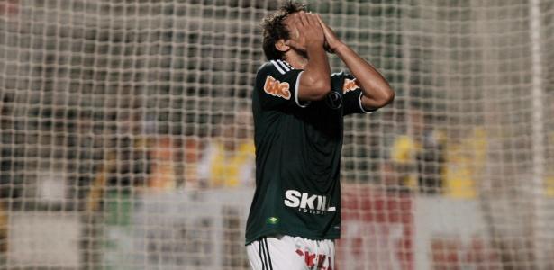 Valdivia segue em recuperação de lesão na coxa, mas não enfrentará o São Paulo