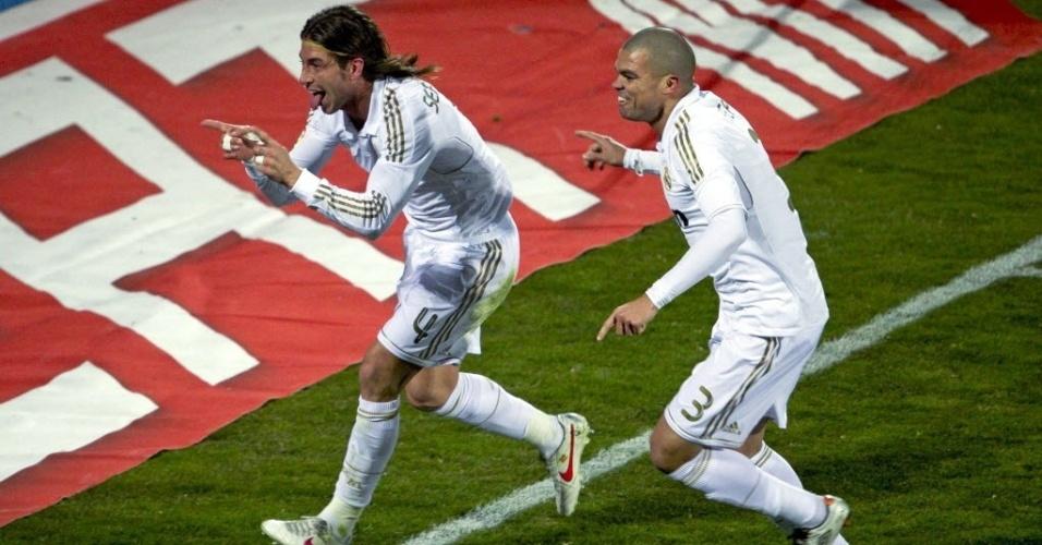 Sergio Ramos comemora com Pepe seu gol marcado contra o Getafe