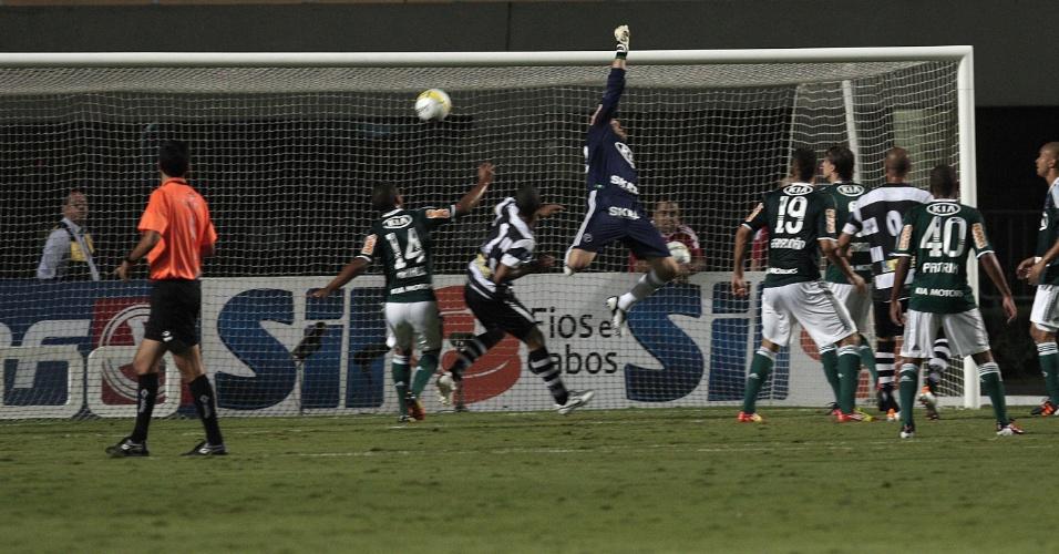 Após cobrança de falta, XV de Piracicaba marcou contra o Palmeiras