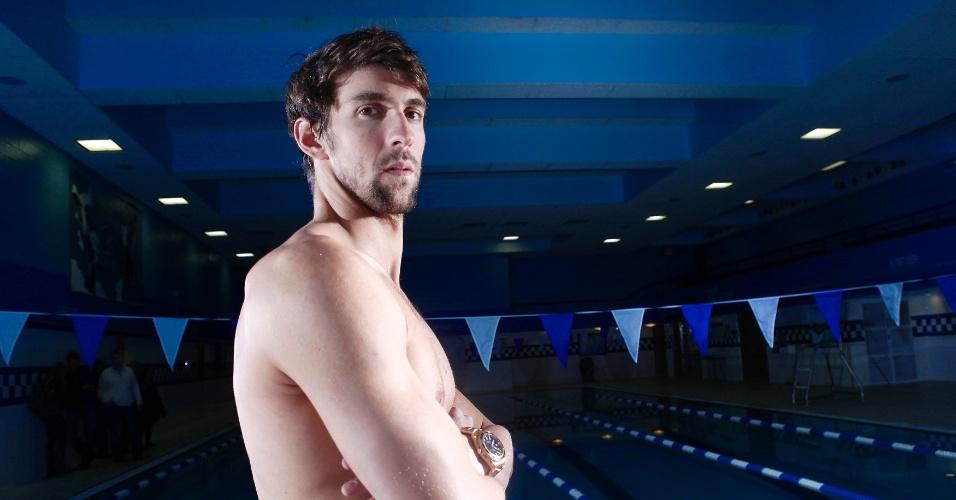 Michael Phelps, oito ouros na Olimpíada de Pequim-2008, posa em clube no Bronx, Nova York (7/2/2012)