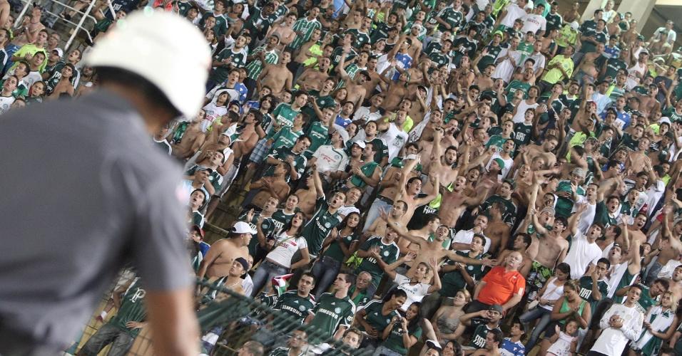 Palmeirenses fazem a festa durante jogo contra o XV de Piracicaba