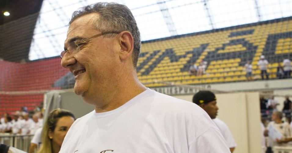 Mario Gobbi, comemora vitoria nas eleições do Corinthians, realizadas neste sábado no Parque Sao Jorge