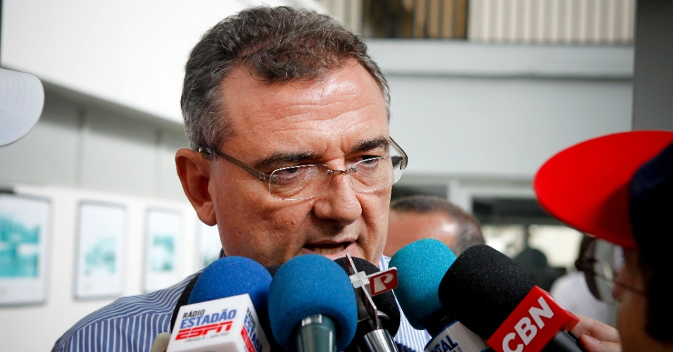 Mario Gobbi, novo presidente eleito no Corinthians, concede entrevistas antes do clássico contra o São Paulo