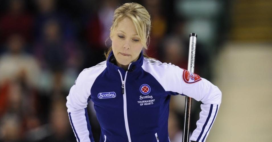 A canadense Heather Smith-Dacey joga pelo campeonato nacional de seu país