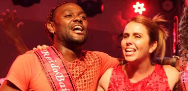 Love faz festa de despedida, recebe Patricia Amorim e critica diretoria do Fla