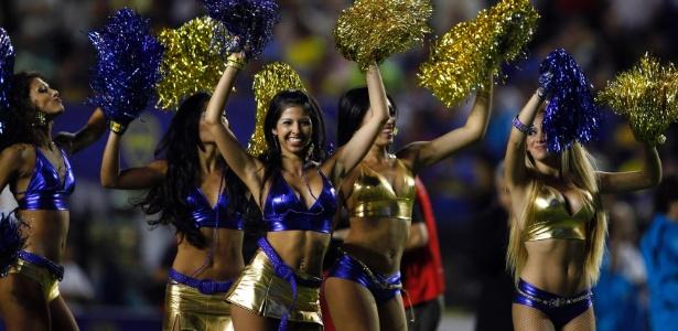 Cheerleaders do Boca Juniors se apresentam em La Bombonera -  Marcos Brindicci/Reuters