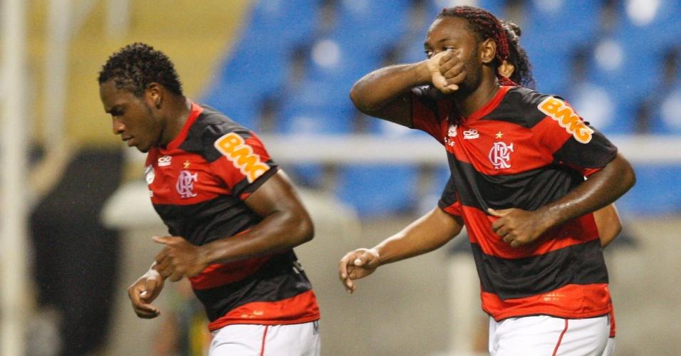 Vagner Love comemora gol do Flamengo na partida contra o Vasco pela semifinal da Taça Guanaraba (22/02/12)