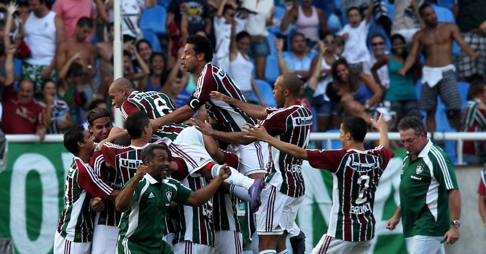 Jogadores do Fluminense comemoram gol durante a final