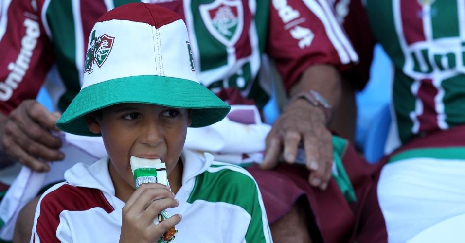 Jovem torcedor do Fluminense se vestiu com as cores do clube