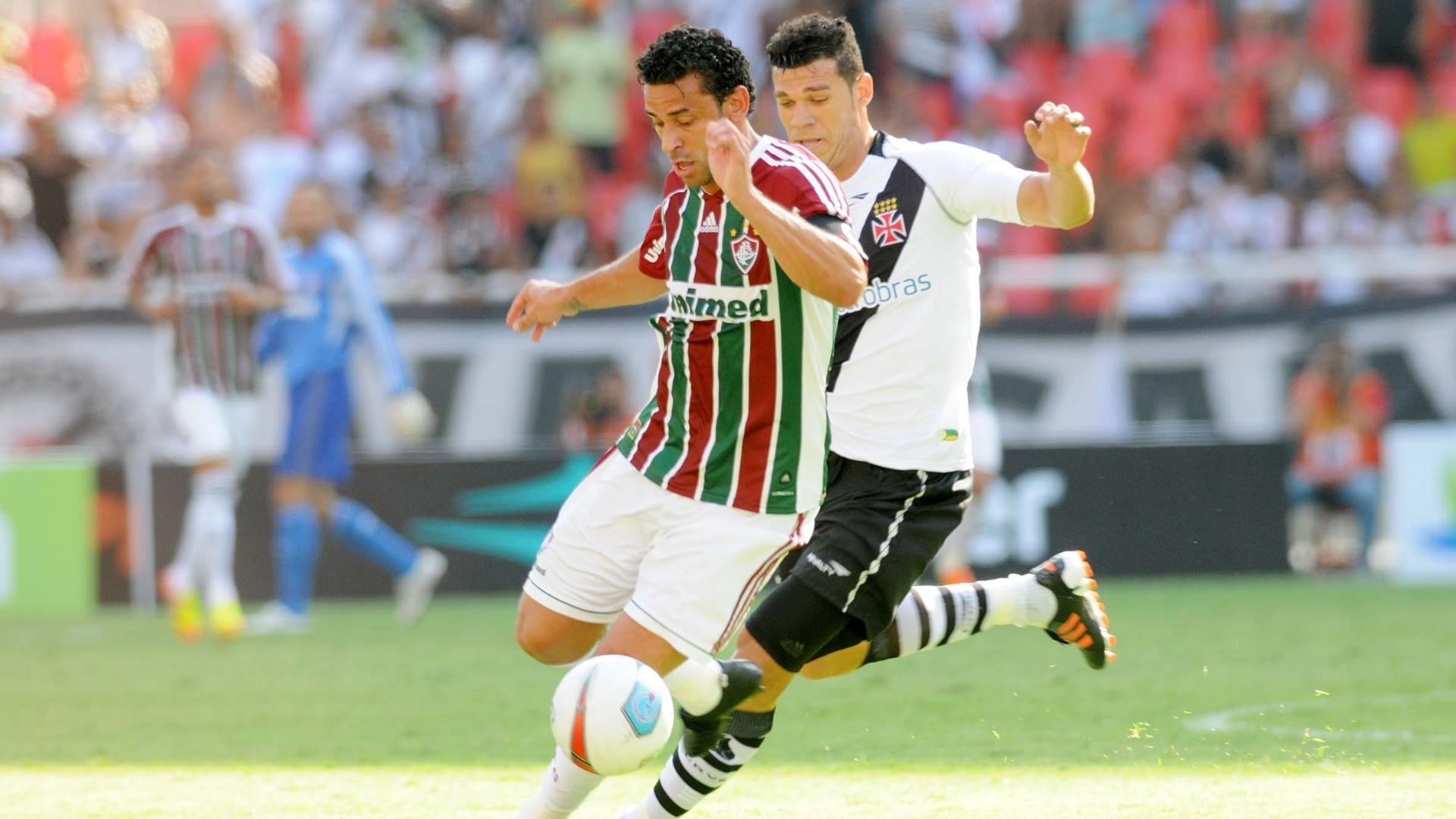 Marcado por Nilton, Fred tenta a jogada na final da Taça Guanabara