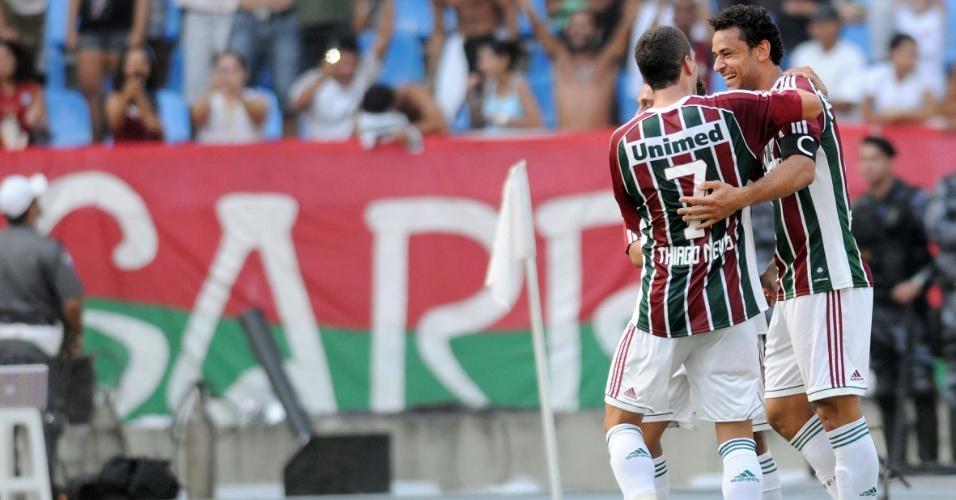 Thiago Neves e Fred comemoram o primeiro gol do Fluminense na final