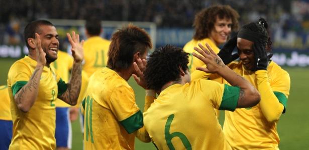 Marcelo abriu o placar logo aos 3 min e brasileiros comemoraram com dancinha