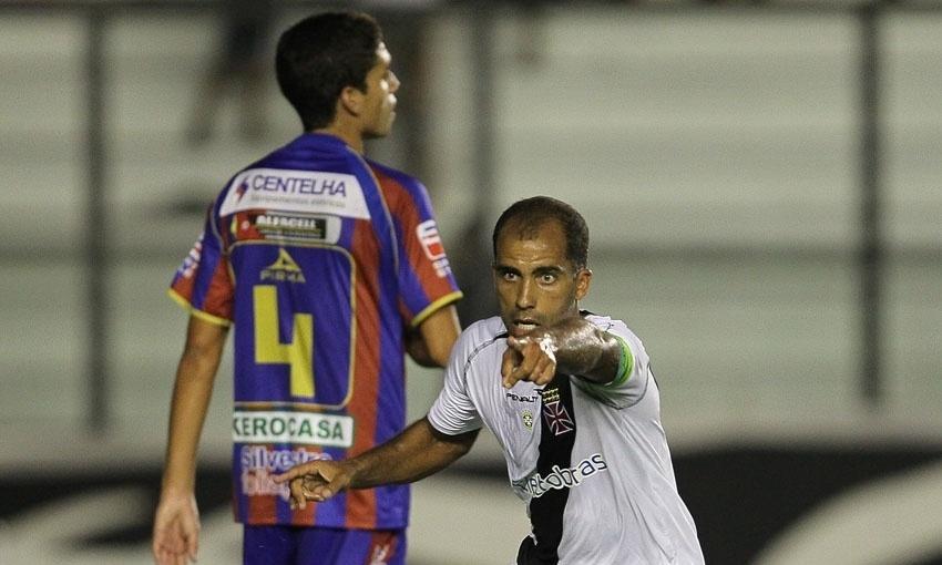 O meia Felipe deixou sua marca no empate do Vasco contra o Bonsucesso