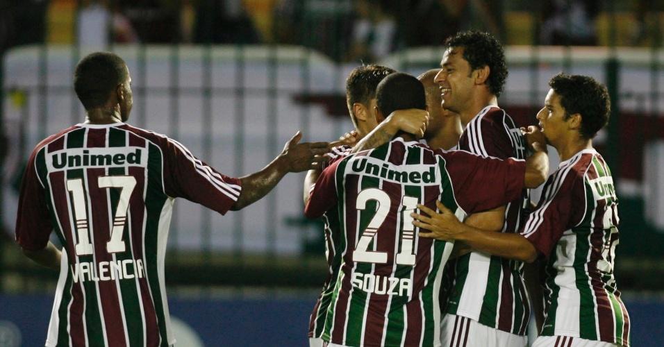 Jogadores do Fluminense comemoram gol de Matheus Carvalho contra o Nova Iguaçu