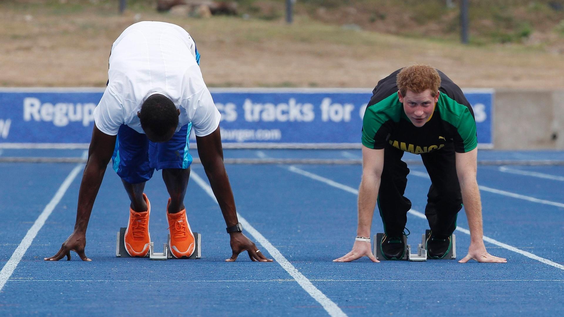 Em visita à Jamaica, o príncipe Harry encarou uma corrida contra Usain Bolt