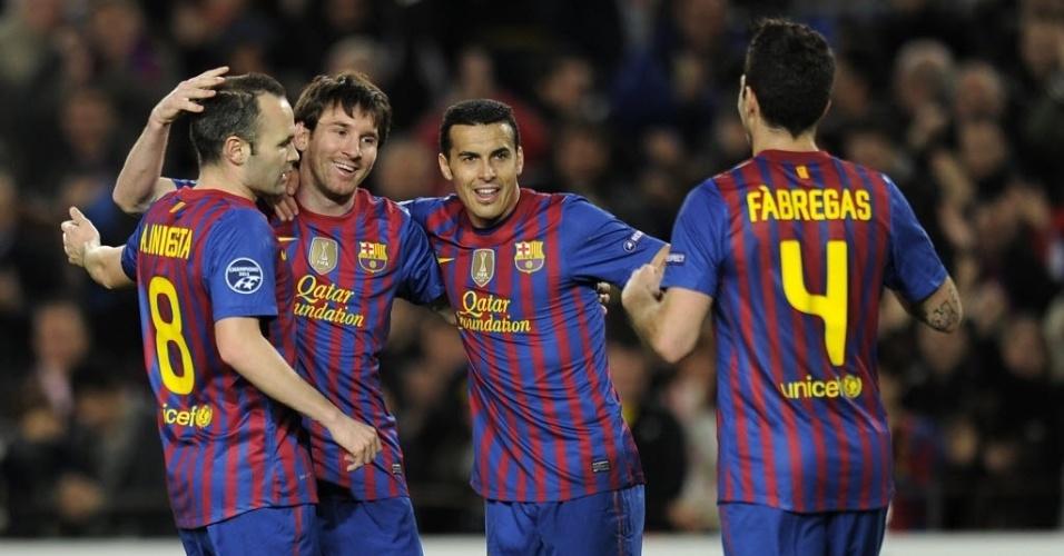 Da esquerda para a direita: Iniesta, Messi, Pedro e Fábregas celebram o segundo gol do camisa 10 do Barça