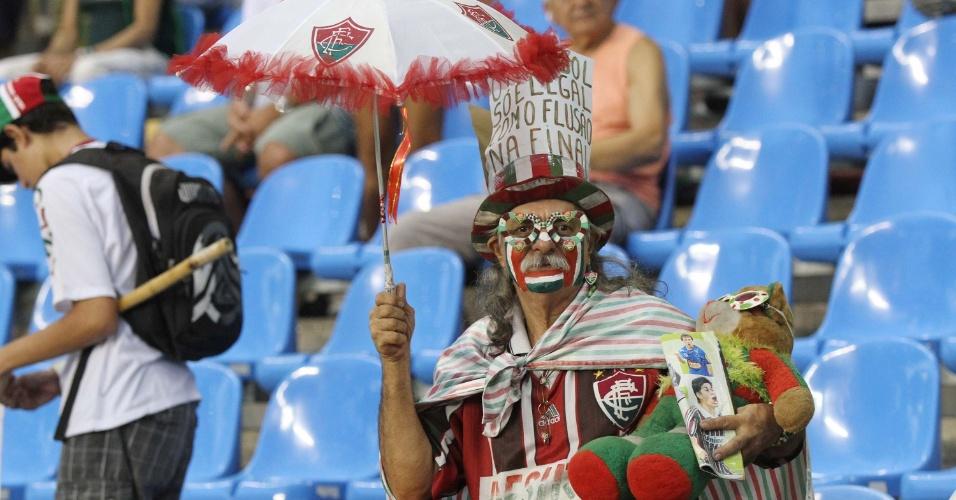 A torcida do Fluminense compareceu fantasiada e animada, mas o resultado do clássico decepcionou