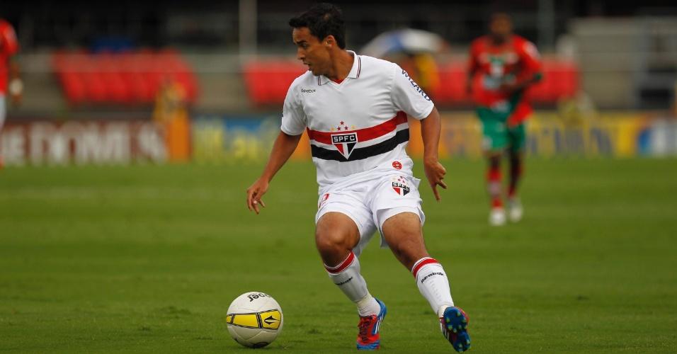Jadson, que era dúvida, foi titular do São Paulo no jogo contra a Portuguesa