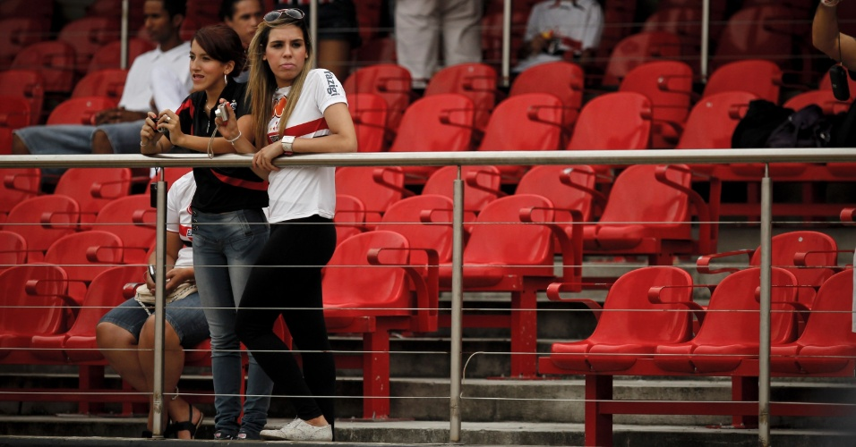 Torcedoras foram ao Morumbi ver o São Paulo encarar a Portuguesa