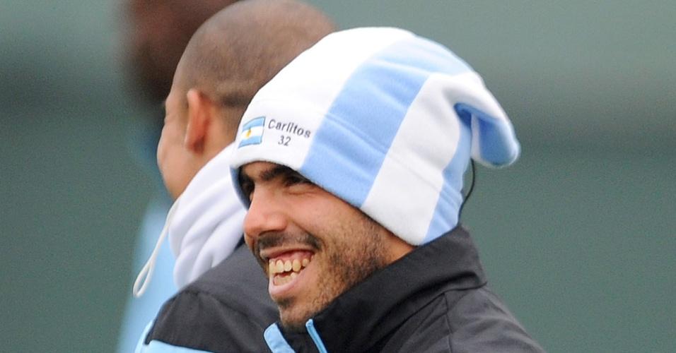 Argentino até sorriu em determinado momento do treinamento; Tevez deve voltar a equipe contra o Chelsea