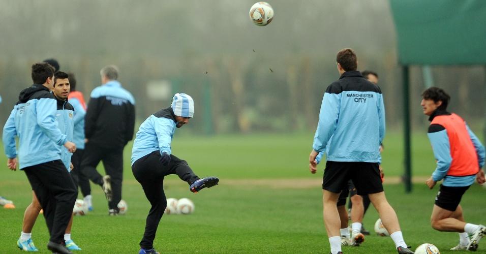 O argentino mostrou estar adaptado ao ambiente do clube e feliz participou da roda de 'bobinho'