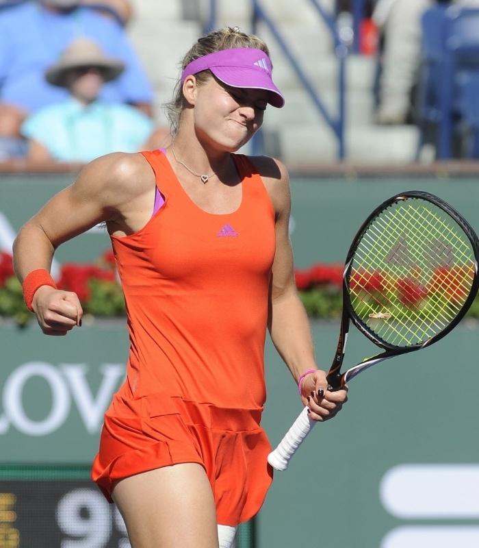 Maria Kirilenko comemora após conquistar ponto no duelo contra Maria Sharapova em Indian Wells