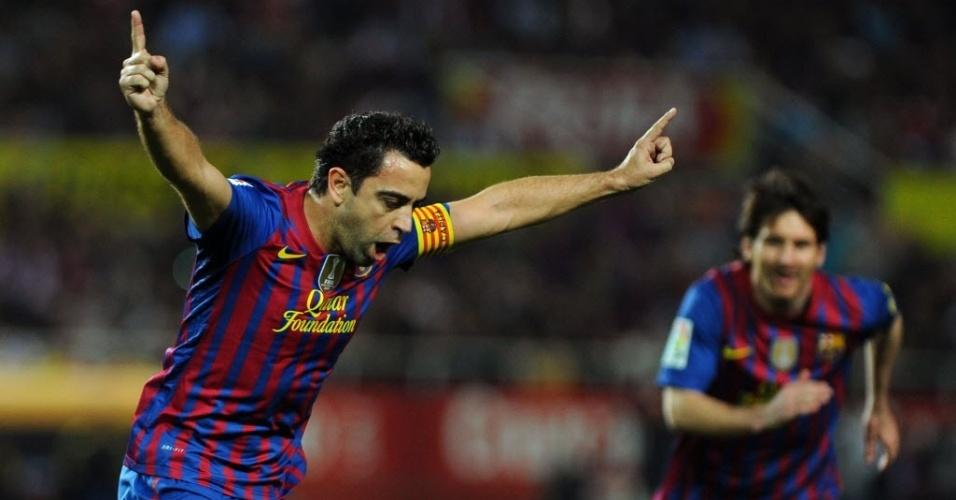 Ainda com dez pontos a menos que o líder Real Madrid, o Barcelona enfrentou o Sevilla neste sábado fora de casa. Aos 17 minutos de jogo, Xavi abriu o placar em bela cobrança de falta