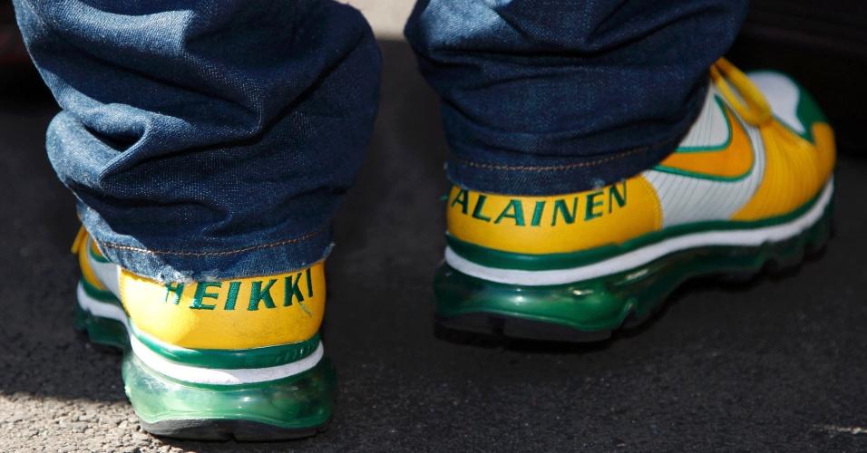 Heikki Kovalainen, da Caterham, chega ao circuito de Albert Park