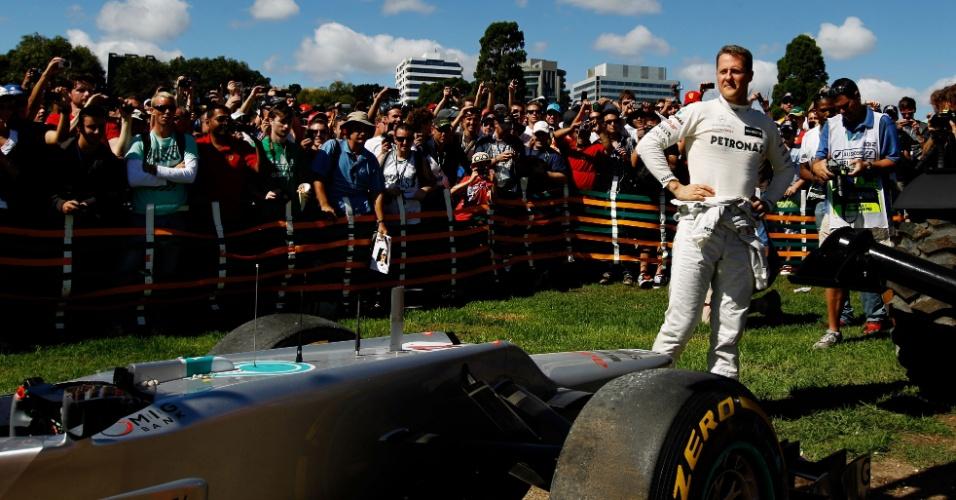 Michael Schumacher não completou o terceiro treino livre no circuito de Albert Park
