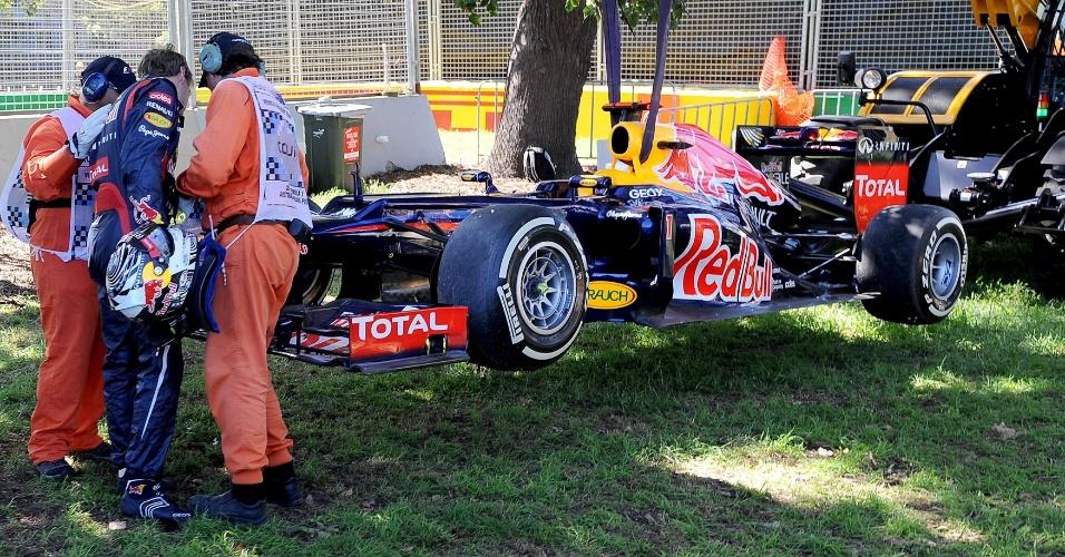 Sebastian Vettel também terminou o terceiro treino livre em Albert Park com seu carro rebocado