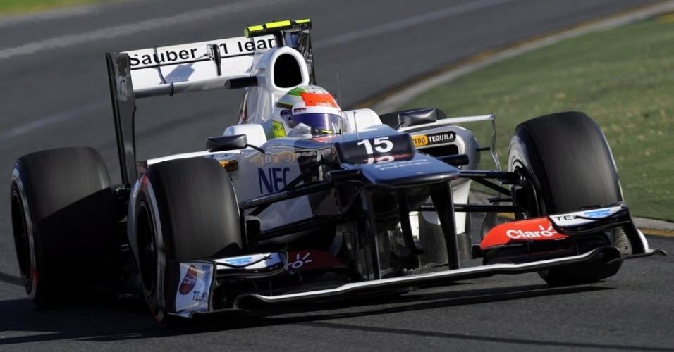 Sergio Perez, da Sauber, tenta uma volta rápida no treino de classificação para o GP da Austrália
