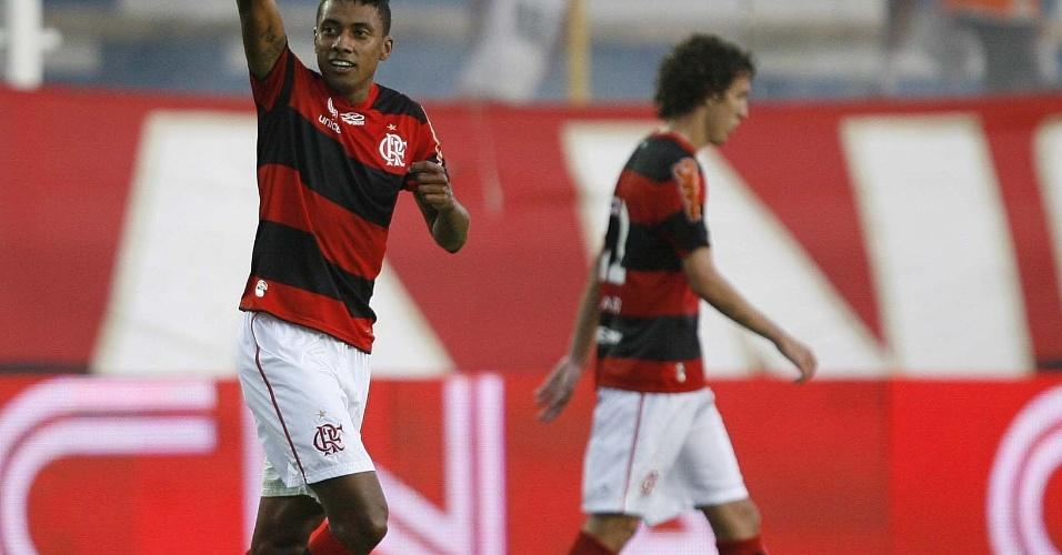 Kleberson comemora gol da vitória do Flamengo no Campeonato Carioca