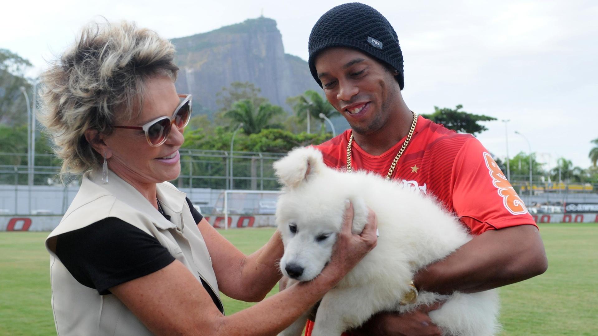 Cachorro Bola passará a morar com Ronaldinho Gaúcho