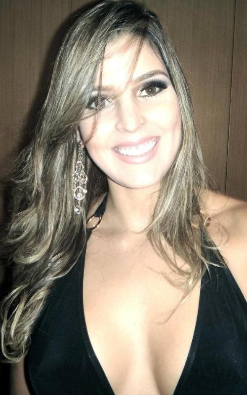 Mari Paraíba, musa da Superliga de vôlei 13