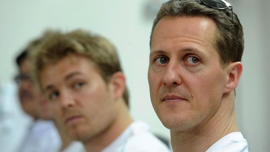 Michael Schumacher e Nico Rosberg foram companheiros por três temporadas na Mercedes - AFP