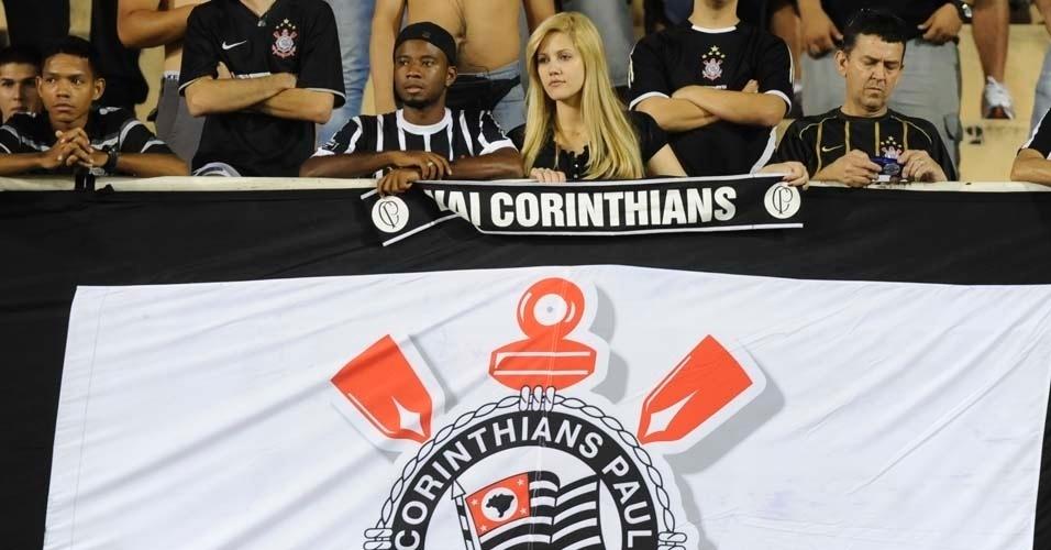 Torcedores do Corinthians comparecem ao Pacaembu para a partida contra o Cruz Azul (21/03/12)