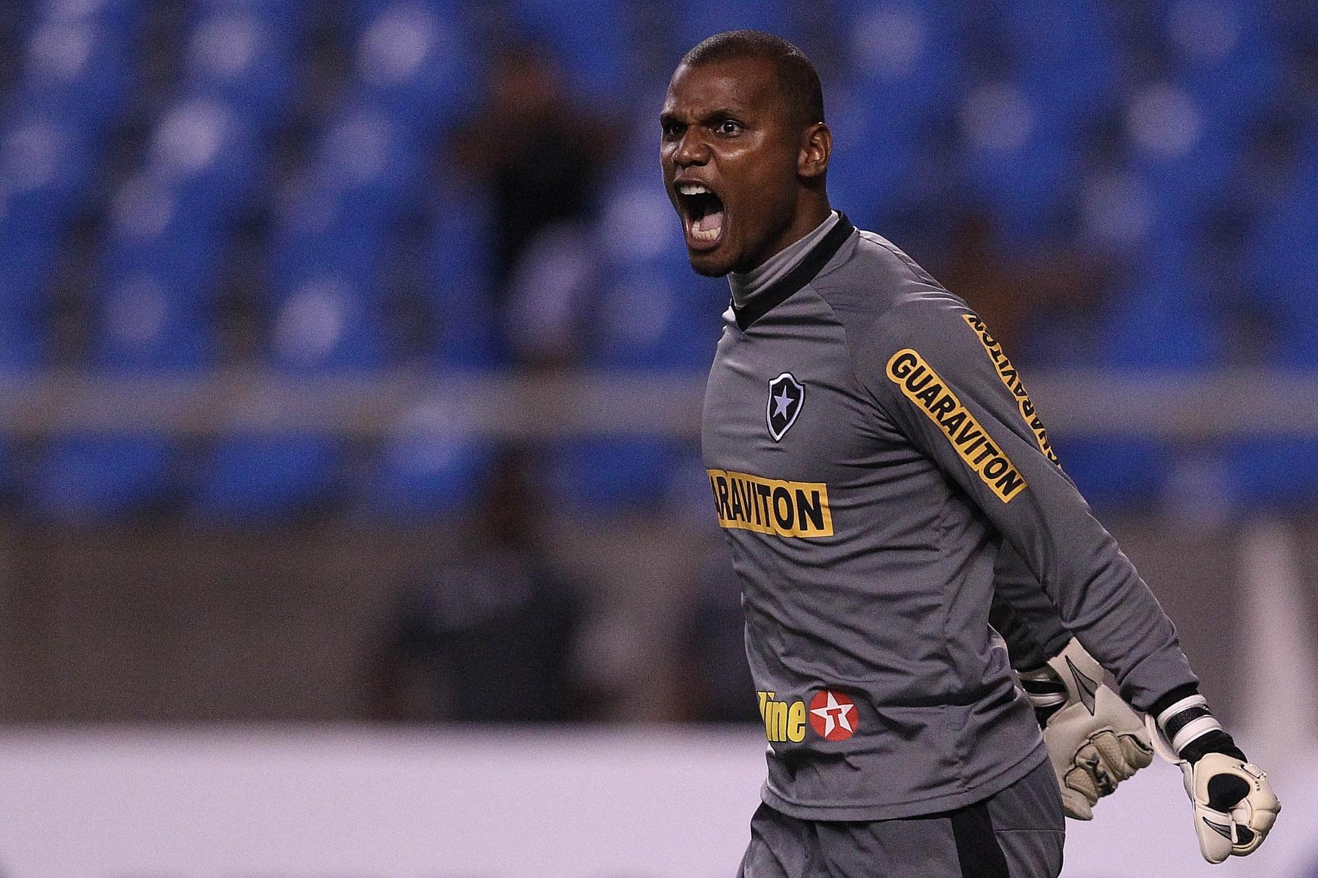 dfccb06711 Botafogo se irrita com dispensa e entra em rota de colisão com Jefferson -  17 10 2014 - UOL Esporte
