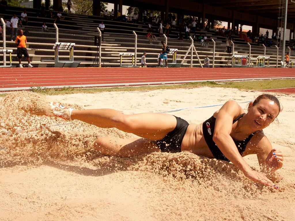 Maurren Maggi voltou às competições em São Paulo e venceu com 6,32 m