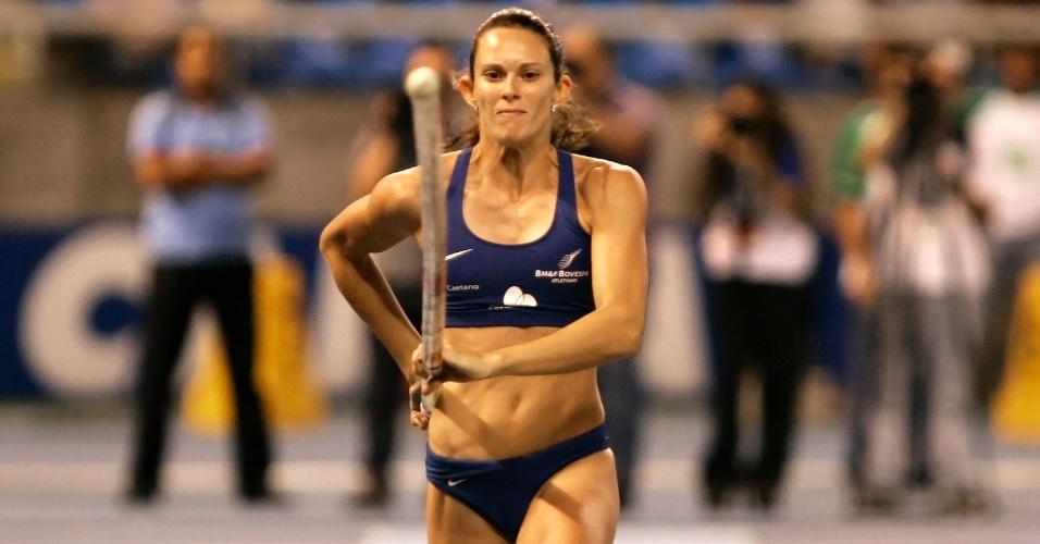 Fabiana Murer participa do GP Rio, faturando o ouro no salto com vara na prova realizada no Engenhão