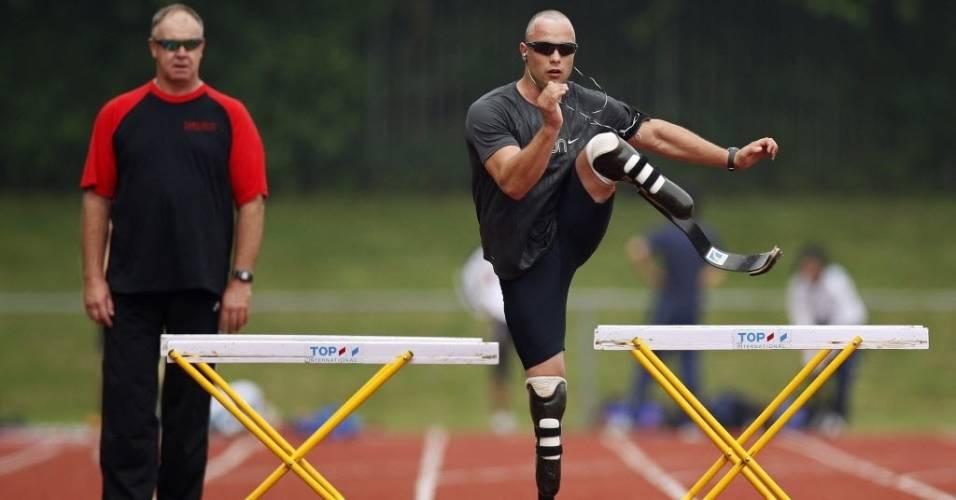 Oscar Pistorius realiza treinamento para competição paraolímpica em Emmeloord, na Holanda