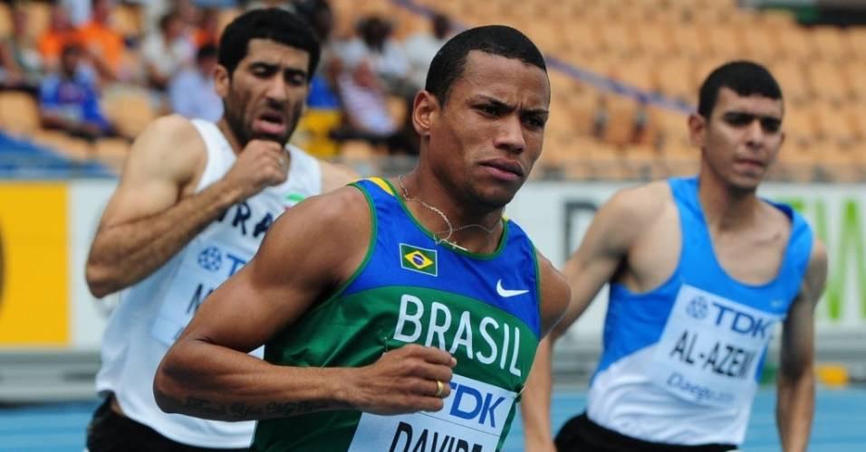 O brasileiro Kleberson Davide venceu a sua bateria nos 800 m e garantiu presença na semifinais da categoria no Mundial de atletismo de Daegu (27/08/2011)