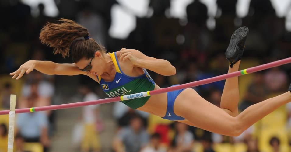 Fabiana Murer salta e avança à final do salto com vara no Mundial de atletismo, em Daegu, na Coreia do Sul (28/08/2011)