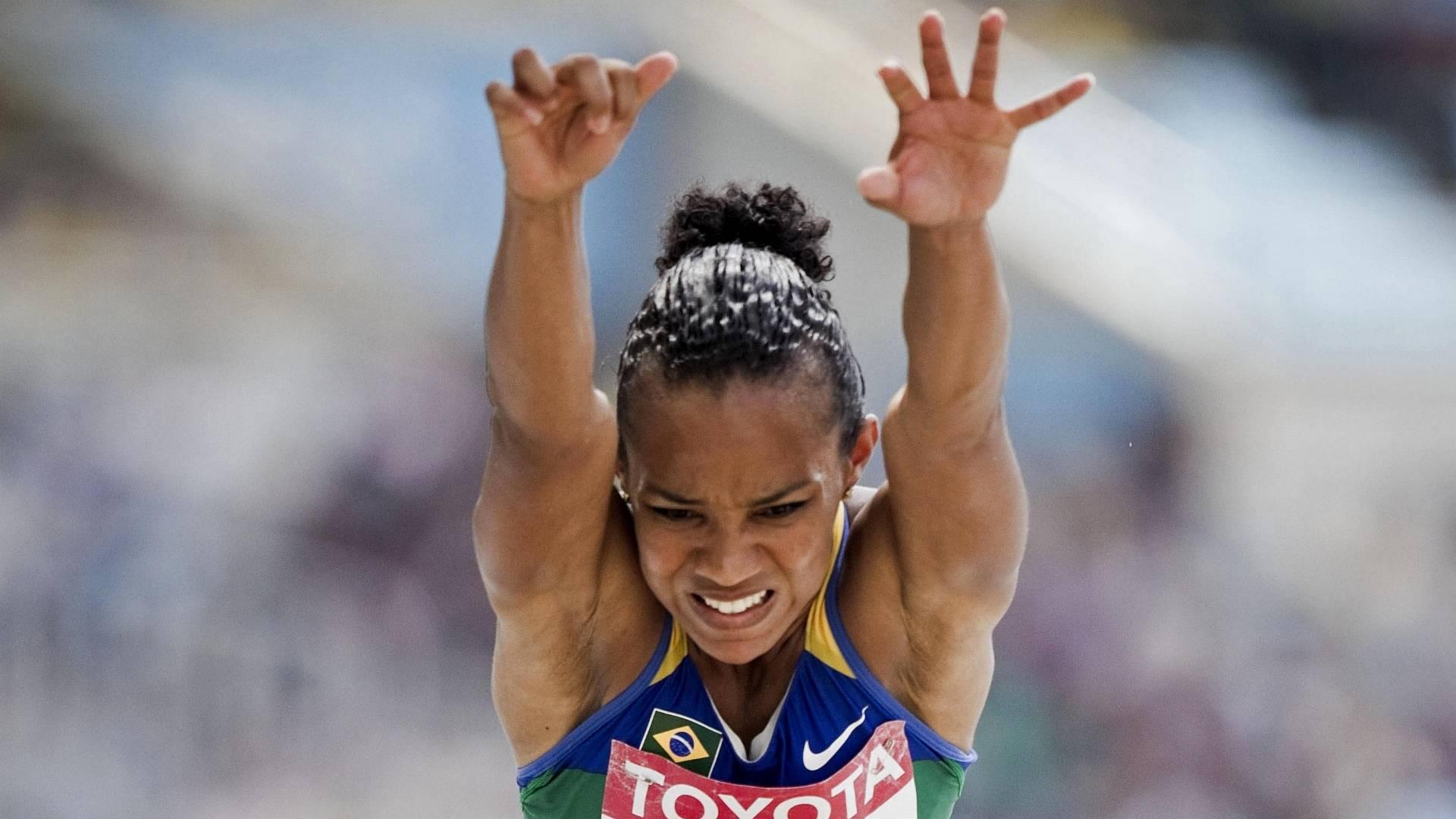 Keila Costa participa da prova de salto triplo no Mundial de atletismo em Daegu (30/08/2011)