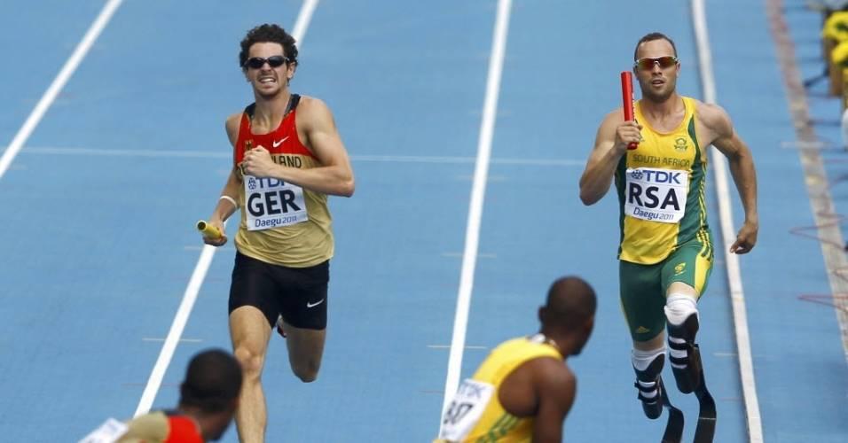 Oscar Pistorius disputa revezamento 4 x 400 m no Mundial de Daegu, pela África do Sul