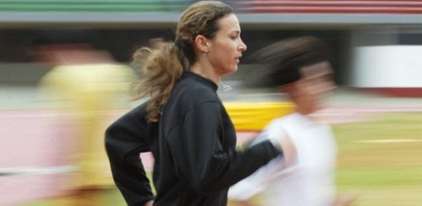Maurren Maggi treina para o Pan de 2003 antes de ser flagrada no antidoping
