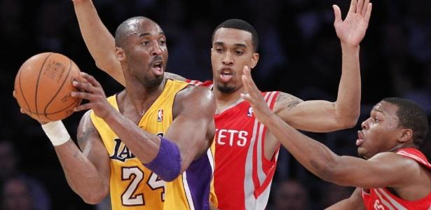 Kobe Bryant marcou 37 pontos na vitória dos Lakers sobre os Rockets