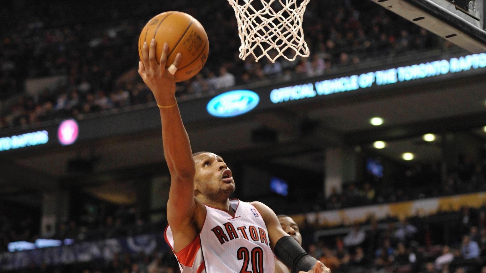 Com 19 pontos, Leandrinho foi o cestinha da vitória do Toronto Raptors contra o Washington Wizards